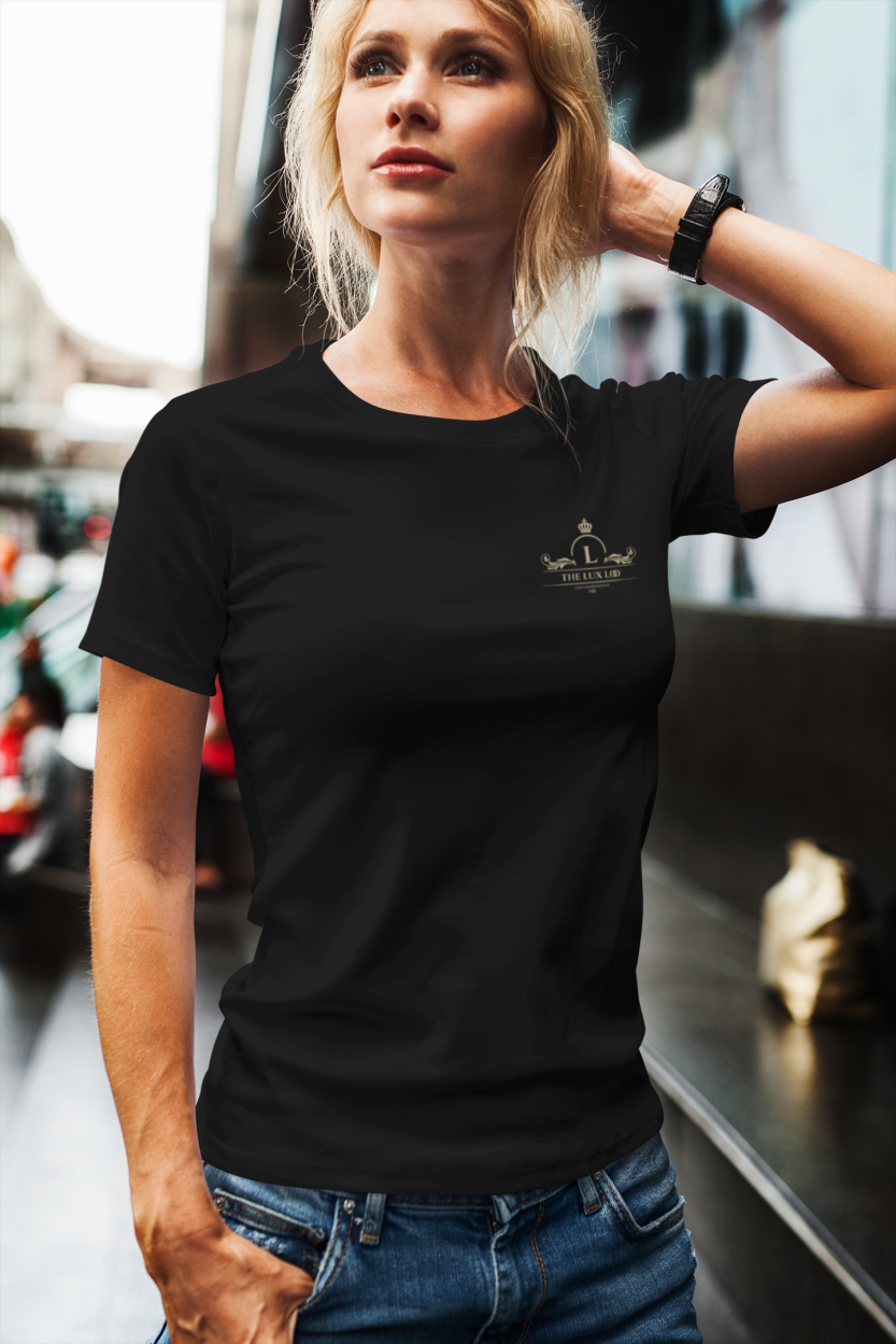 mockup-of-a-woman-posing-with-a-t-shirt-in-the-city-2234-el1